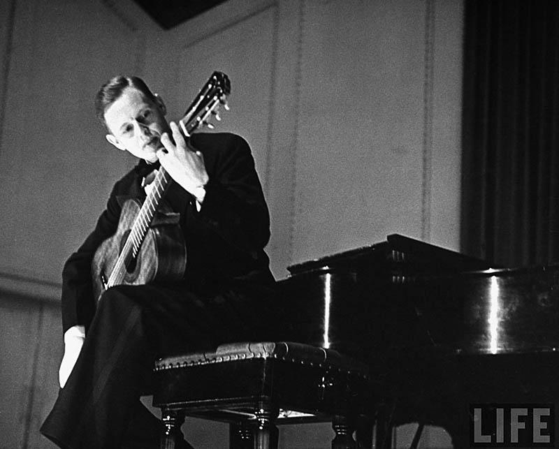 Richard Dyer-Bennet, 1947 (by Allan Grant)