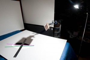 """Flash at """"tele"""" setting, no diffusion material, shadows marked"""